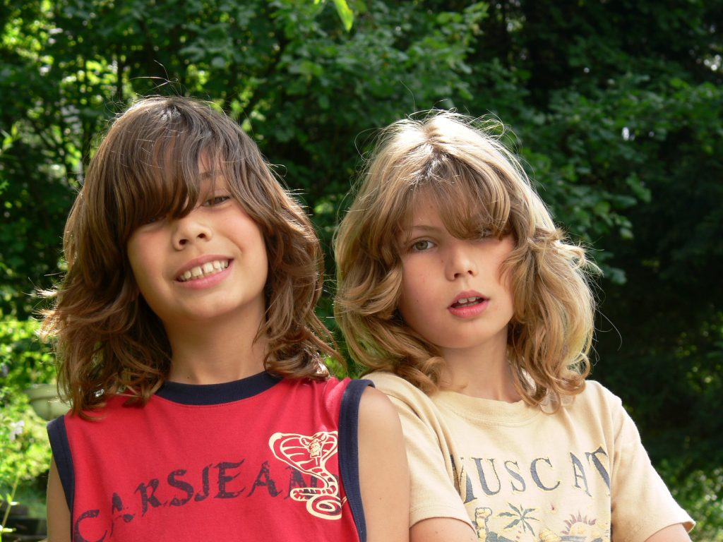 Marnix (right) and Floris (left) aged 9 and 11.